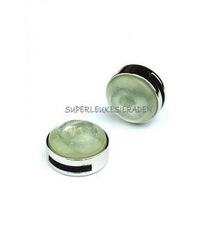 Light crysolite green
